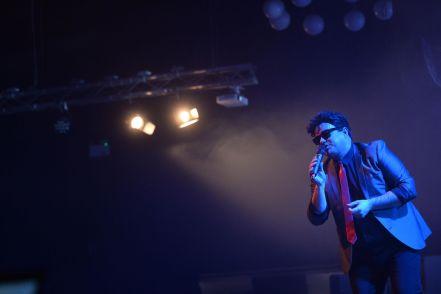 Billy Joel Tribute UK onstage at Pontins (01)